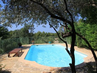 Grande maison avec piscine privéee  10-12 personnes