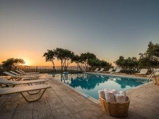 Villetta in collina con bellissima vista, piscina e colazione inclusa