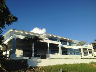 Willoughby Heights 6 bed Luxury Villa. Near Engli