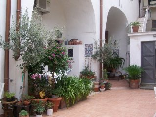 Sorrento Cost holiday low coast confortable , central apartment ,private garden