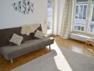 Fabulous Location, Riverside Walk To Old Town, Many Mountain Trails Nearby.