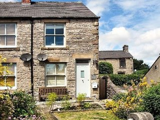 Lovely character cottage in Bradwell, set in the picturesque Hope Valley
