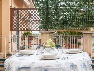 Luminoso appartamento con grande terrazza vicino al noto quartiere Trastevere.