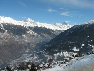 Thyon Les Collons 4 Valleys - 3 Bed Luxury Ski Apt + Jacuzzi + WIFI 50m to lift