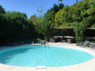 Charmant Mas  de campagne Provençal en pierres avec piscine privée