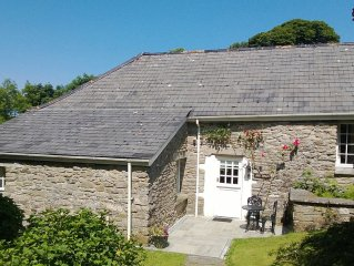 Charming Holiday Cottage Nestling In Secluded Mature Gardens