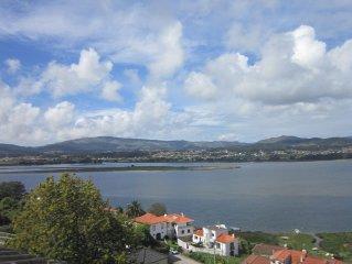 fantasticas vistas sobre o Rio Minho e Espanha, a 3 km de Caminha, com 4 Quartos