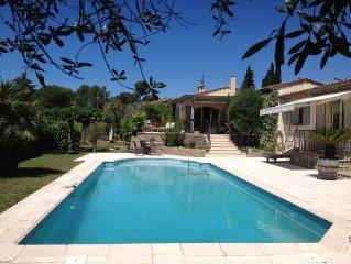 Juillet et Août Séduisante villa provençale , calme,vert,ensoleillé,mer à 12 min