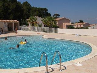 3 bed holiday home, pool, 10 min walk town, Pezenas, beach 25 mins