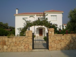 3 Bed villa with private pool and views 5 mins from beach.
