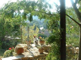 Quietude,piscine,vue superbe, region magnifique,10' a pied tous services