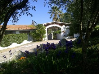 panoramic villa with garden in Isola Rossa