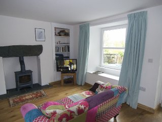 Lookfar. Ambleside cottage with wonderful views in the heart of the village.