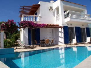 Near Lindos, beautiful Villa with private pool, stunning sea views, WiFi, Aircon