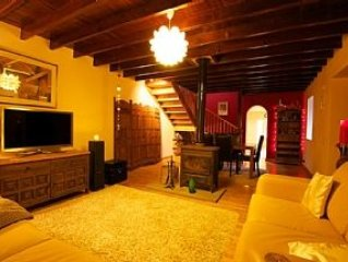 Traditional Luxury Canarian Stone Built House With Garden And Views Of The 'osor