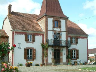 Lourdes/Tarbes/Larreule detached farmhouse