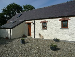 Cottage In Beautiful Pembrokeshire, Wales. Dog &