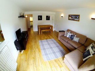Central 6 Person 47m2 Apartment. Amazing South Facing Balcony. 150m To Ski Lifts