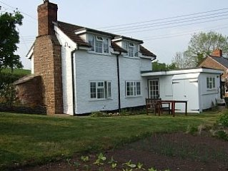 Charming Cottage With Stunning Views Over Wye Valley, perfect for Wye fishermen