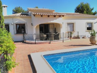 Superb Villa private pool and garden on La Cala in Javea, WiFi, Sun all day UKTV