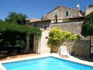 Maison de village avec piscine dans un des plus beaux villages de france