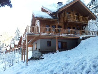 New pictures! Totally restyled large chalet, Oz-en-Oisans station (Alpe d'Huez)