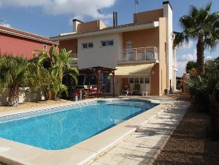 3 Bed Villa, Sleeps 6-8, Private Pool, Golf Course, Air-con, Wifi
