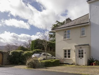 Linton Cottage, cosy and within two minutes walk of the town centre.