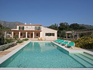 Superb peaceful rustic style villa with beautiful garden and mountain views