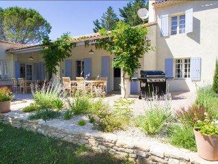 5 BR, 5BA Provence Villa, Pool, Garden, Petanques Court, Indoor/Outdoor Dining.