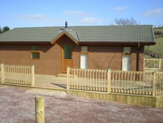 The Hideaway-A Peaceful And private location, countryside views. 2 mins to beach