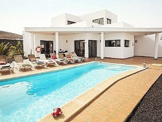 Detached Villa With Private Heated Pool And Free Wifi. Sleeps 8 (4 Bedrooms)