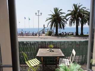 Stunning Apartment, Spectacular Sea Views, 150m from beach
