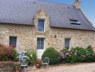 Maison typiquement bretonne.Cheminee.Terrasse et Jardin clos.Golfe du Morbihan.