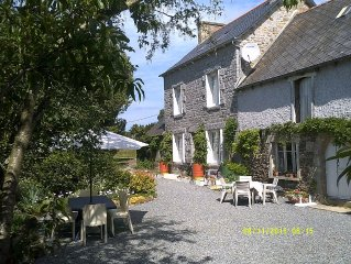 Family home in country with pool, lovely private gardens. Sleeps 8