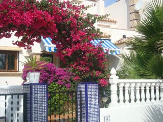 Luxury 3 bed pool side villa set in gardens.Near beaches and golf. Aircon /Wi-Fi