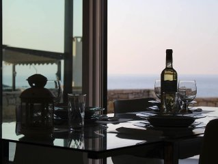 3 Bed, 2 bath detached Villa private heated pool, communal pool and sea views.