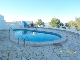 Large 5 bedroom apartment with big swimming pool and sunbathing terrace