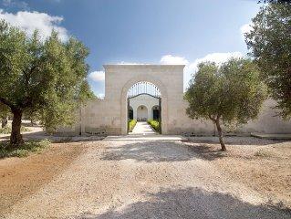 Luxury Villa with Pool in Puglia - 10 people - Olive Grove - Beautiful Beaches