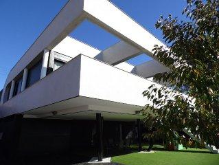 Casa de diseno con piscina, Golf a 5 minutos, wifi,  15 px