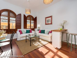 Bright and welcoming center of Seville. 40% off i