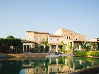 Magnifique spacieuse villa dans village typique Provençal ~ Jusqu'à 20 Personnes