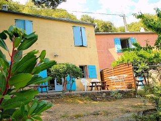 Les gites du bout du Cap corse. Ancienne maison de campagne rénovée en 2 gîtes.
