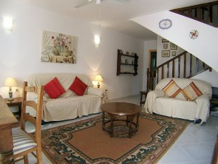 2 bed Pueblo House 10mins from Burriana beach & town centre VFT/MA/07323