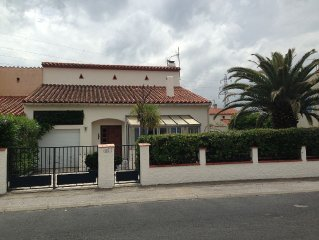 Spacious, well appointed village villa, with private pool - 5 km to Beach