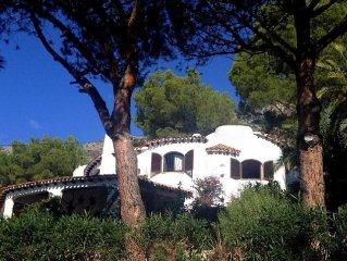 Casa Blanca,  con piscina, terraza y vistas al mar
