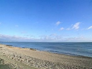 Beach Front  2 Bedroom 2 Bathroom  Apartment Selsey