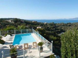 Villa bord de mer avec piscine privée - Rénovation en 2012