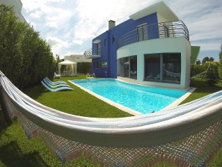Sunny Villa with Pool and Golf Arrabida