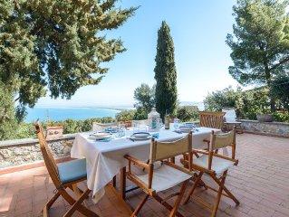 Argentario - Porto Santo Stefano: Villa con giardino e bellissima vista sul mare